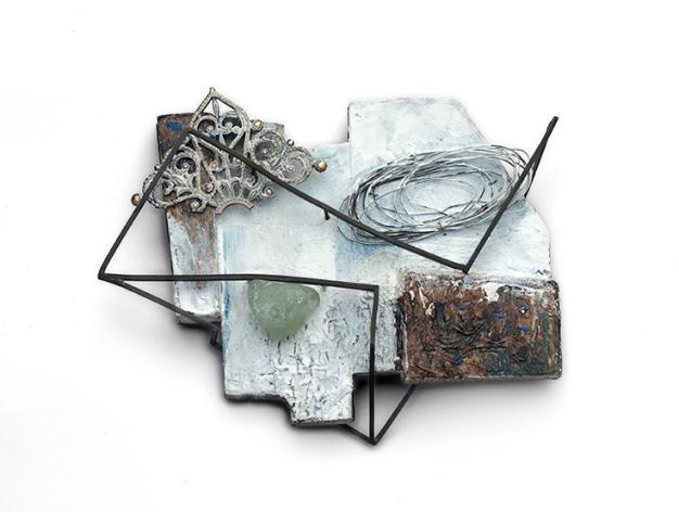 """Cenicienta""  Fermall Fusta, pintura acrílica, paper, ferro, llautó, vidra i alpaca."